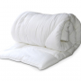 Легкое детское одеяло в кроватку (холлофайбер)